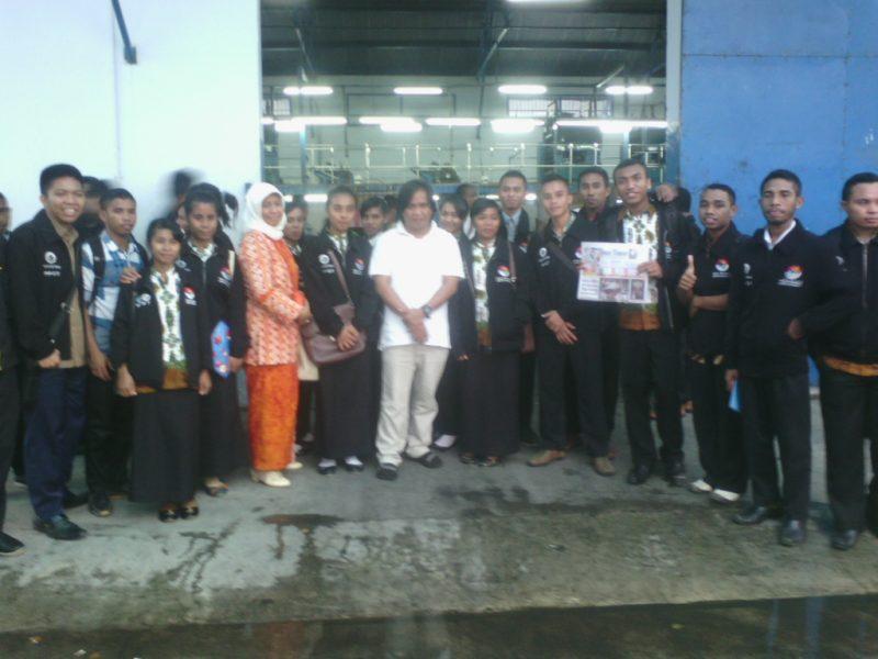 Mahasiswa PPGT PGSD Kunjungi Tribun Timur